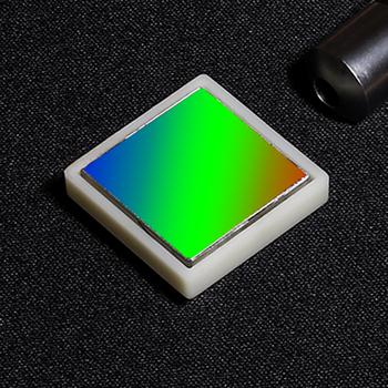 Holograficzna krata płaszczyzna element optyczny spctroskopowe kraty analityczne 1200 linii 25x25x6mm użyj pasma 200-1600nm tanie i dobre opinie ZUIDID CN (pochodzenie) NONE Asferyczne JZ-JT-QXPM-1200 Optyczne Plano wklęsłe Szkło Holographic plane grating Glass