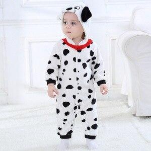 Image 4 - Mono de Cosplay de perro manchado de dálmatas para bebé y niño, disfraz de franela en blanco y negro cálido, mono de pijama para niño