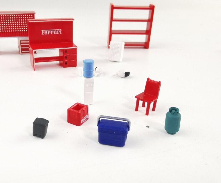 Plastic Maintenence Workshop Scene Model Set 1:64