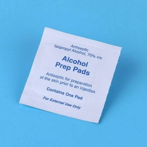 100Pcs/Box Portable Medical Alcohol Prep Pad Swabs Wipes Skin Jewelry Cleaner 95AB