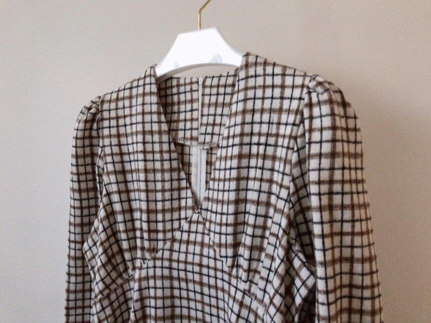 H506a541695514906a1a08a7ecbf7063dK - Autumn V-Neck Puff Sleeves Slim Plaid Midi Dress