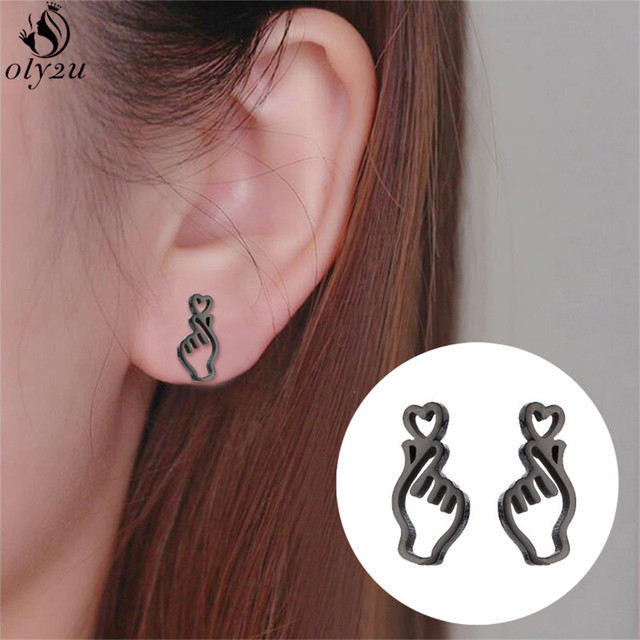 Oly2u Simple Korean Design Hollow Hand Earrings for Women Love Heart Gesture Earring Jewelry Girl Friend boucle d'oreille