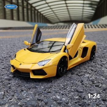 цена на WELLY 1:24 Lamborghini Aventador LP700-4  Diecast Toy Car Model Metal Toy Vehicle Wheels  Car Collection Kids Toys Gift