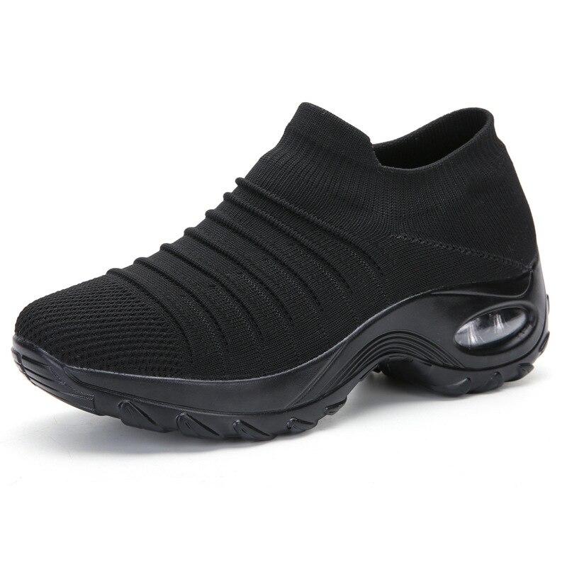 2020 Women Sneakers Vulcanized Shoes Sock Sneakers Women Autumn Spring Slip On Flat Shoes Women Loafers Walking Flat Plus Size