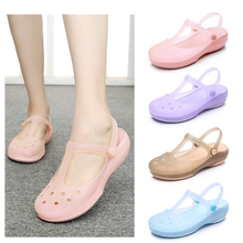 Women Sandals Shoes Rianbow Summer Sandals Female Flat Shoe Casual Ladies Slip On Woman Candy Color Peep Toe Beach Shoes Croc