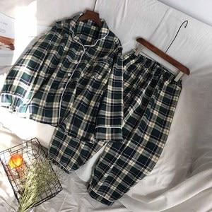 Image 4 - Mannen En Vrouwen Liefhebbers Pyjama Set Eenvoudige Stijl Plaid Vest + Broek Paar Losse Nachtkleding Comfort Katoen Homewear Voor Herfst