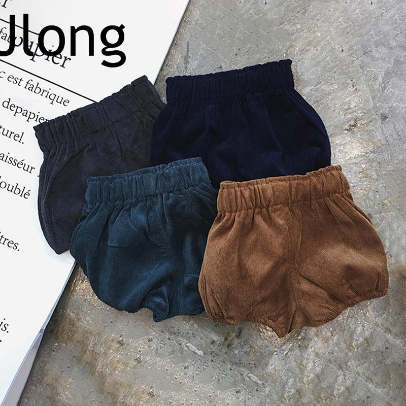 Женские осенне-зимние вельветовые утепленные свободные эластичные шорты со средней талией
