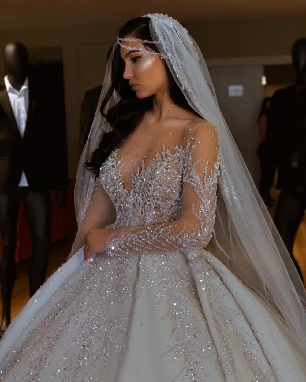 Fashion Hot Sale New 2020 African Wedding Dresses Sheer Neck Long Sleeves Bridal Dresses Beaded Sequins Satin Wedding Gowns