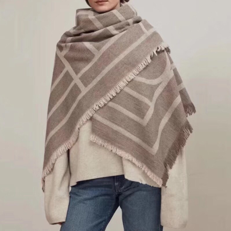عالية الجودة الكشمير وشاح 150 سنتيمتر كبيرة وشاح الكلاسيكية معطف الخريف الشتاء وشاح شال-في صوف مختلط من ملابس نسائية على  مجموعة 1