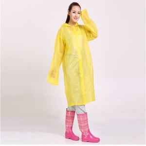 Image 4 - Moda Kadın erkek EVA Şeffaf Yağmurluk Taşınabilir Açık Seyahat Yağmurluk Su Geçirmez Kamp Kapşonlu Pançolar Plastik yağmur kılıfı