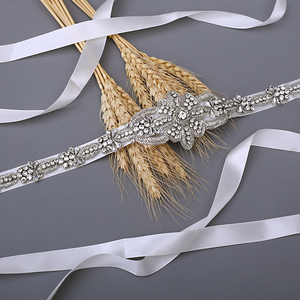 Image 3 - TRiXY S374 ceinture de mariée de luxe ceinture de mariage en argent ceinture de mariée en soie indienne brillante ceinture de perles médaille royale artisanat diamant ceinture de mariée