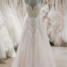 2020 Lace Appliques Beaded Wedding Dresses for Bride V Neck