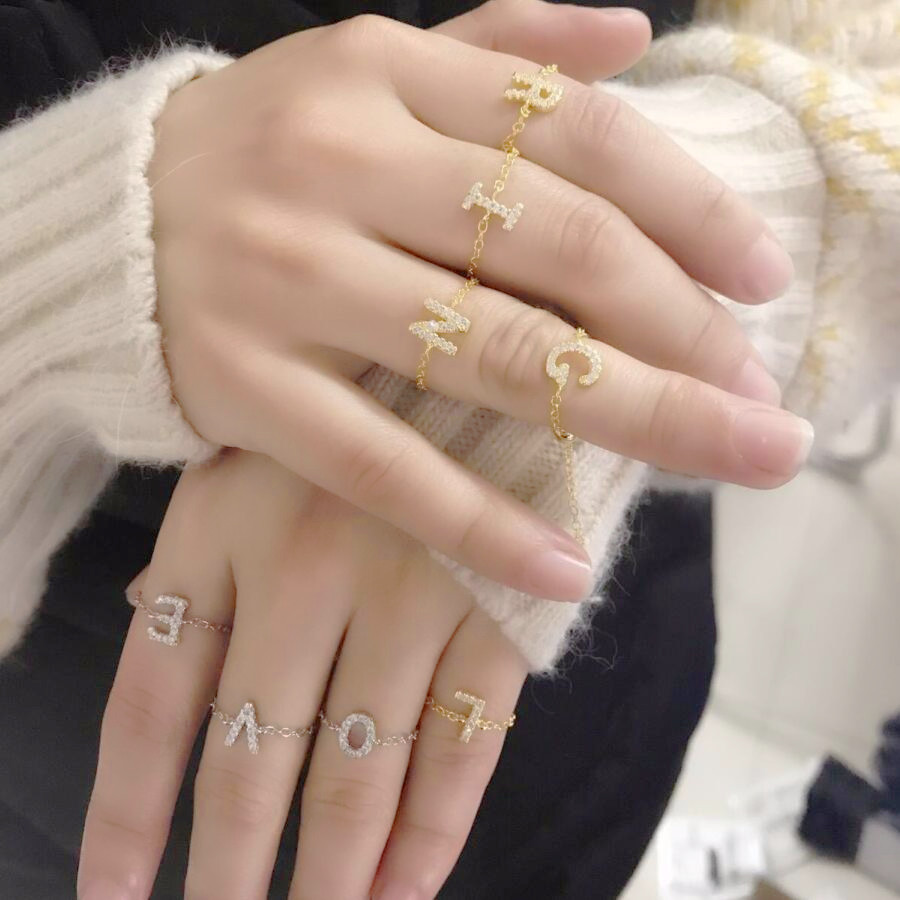 Крошечная цепочка Персонализированные цепи кольца с буквами алфавита A Z начальное Название Кольцо Шарм ювелирные изделия Новый регулировать кольцо для девочек, женщин ювелирные изделия