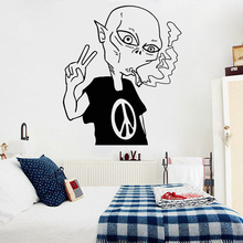 Cartoom Alien Vinyl Wall Decal Peace Love Smoking Boys Bedroom Stickers Removable Home Decoration Wallpaper Z320
