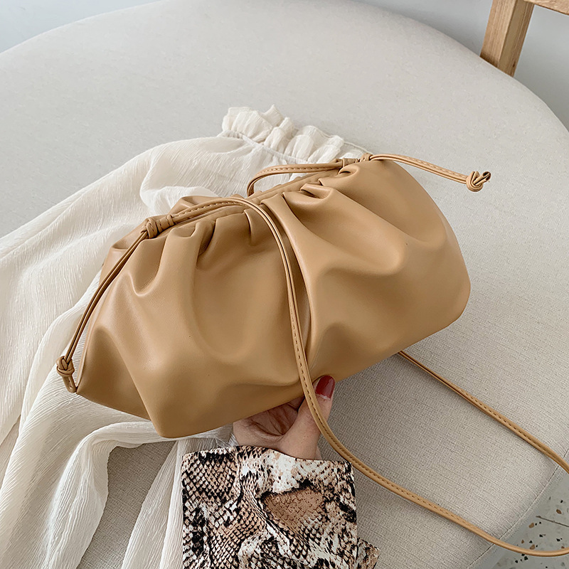 Luxury Designer bags for women 2019 Women Day Clutch Bag Pleated Dumpling Shoulder Messenger Bag Cute Lady Crossbody Handbag