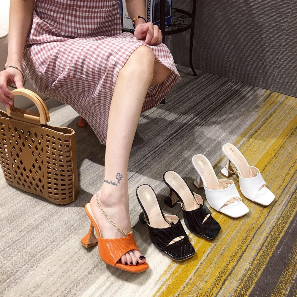 Summer Shoes Metal Chains High Heels Stilettos Sexy Pumps Women Shoes PU Leather Slip-on Peep Toe Female Sandals  Black White