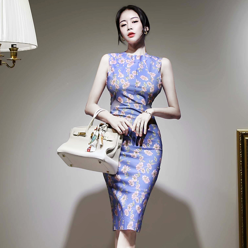 2020 summer new Korean version of the sexy hollow halter waist tie printed bag hip dress