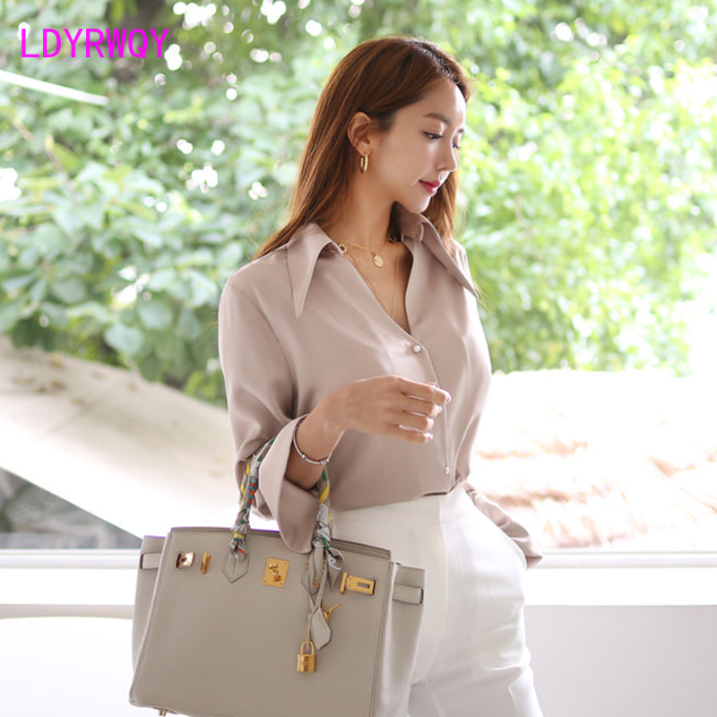 2019 autumn and winter new fashion Korean version of the wild shirt women's shirt Turn-down Collar  Solid  Button