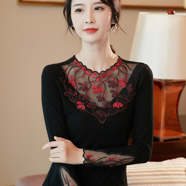 Women's shirt New 2019 Autumn long sleeve women blouse shirt Fashion Embroidery Mesh tops plus size hollow out lace tops 6
