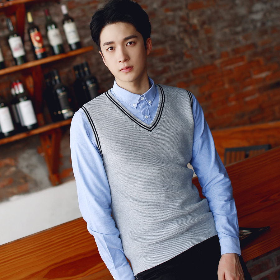 British Style Men's Sleeveless Knitted Sweater Yarn Vest V-neck Youth Woolen Vest College Wool Waistcoat Men's