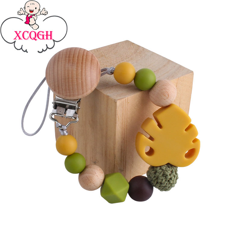 XCQGH Eco-friendly Beech Wooden Pacifier Clips Holder Leaf Nipple Holder Clips Newborn Baby Shower Gift