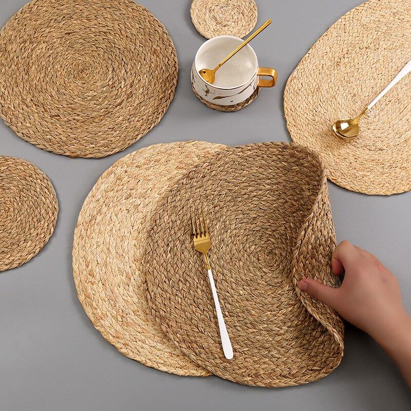 Ручная работа плетеная Нескользящая подставка для подстаканников корпус кукурузы для стола dinne круглая изоляционная прокладка настольные коврики колодки домашний декор 0041|Коврики и подложки|   | АлиЭкспресс - Красивая кухня