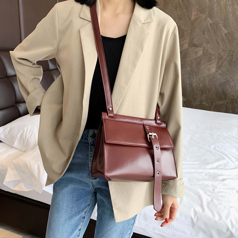 Retro Solid Color Small Flap Bag Women Shoulder Bags Chic Leather Buckle Decoration Messenger Bags Fashion Pu Crossbody Bag New