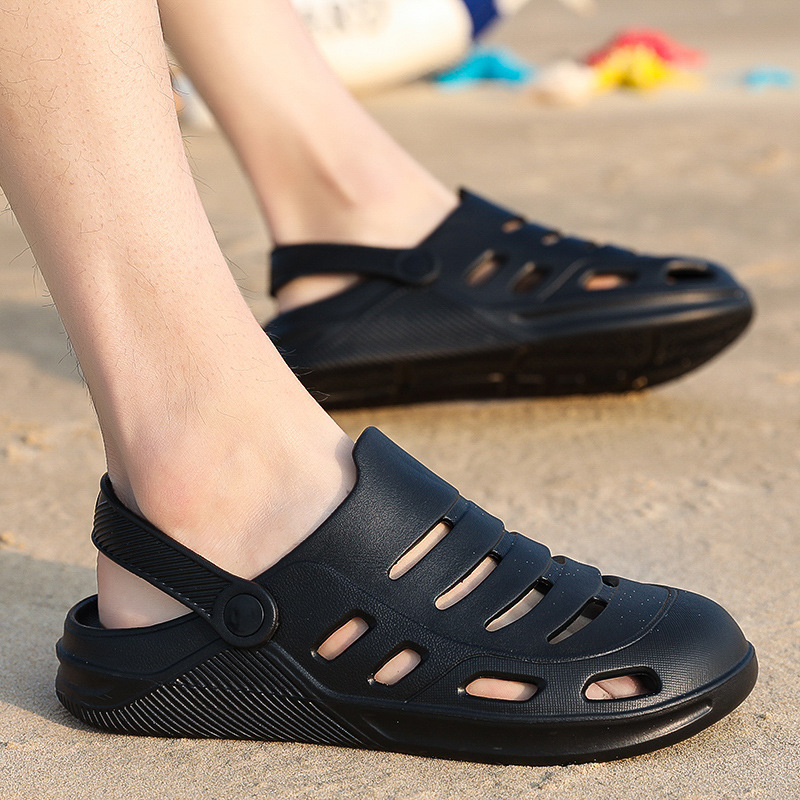 2020 Summer New Style Porous Shoes Couples Beach Slippers Closed-toe Hollow Out Soft Bottom Sandals Foot Covering WOMEN'S Shoes