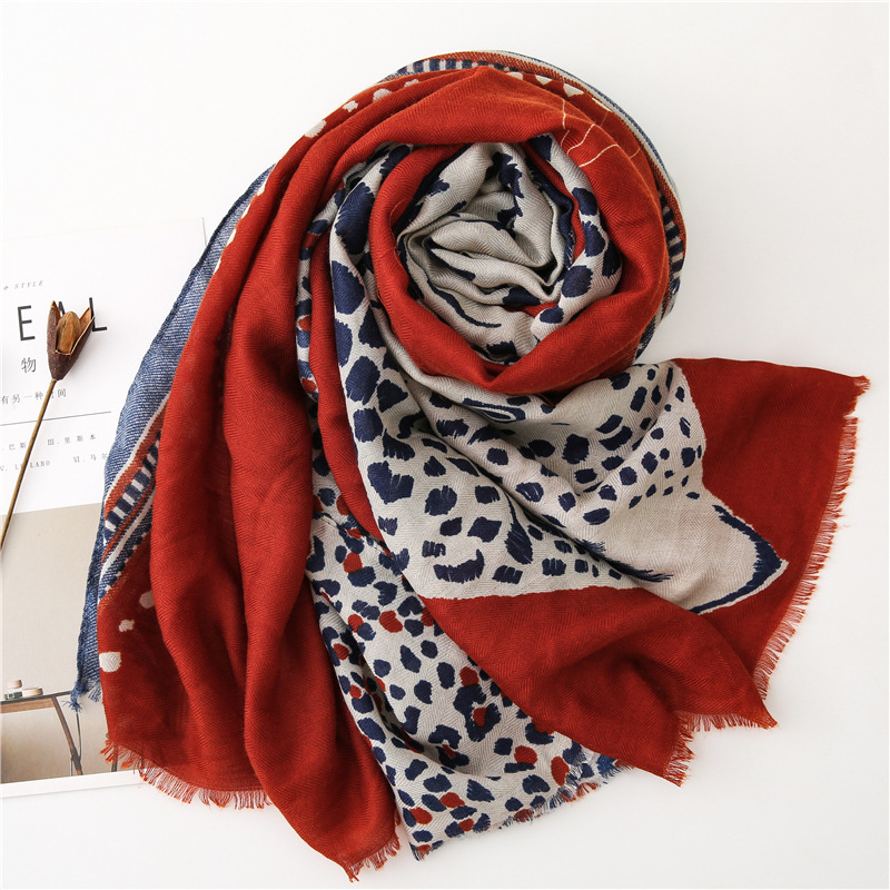 Image 4 - accesorios mujer chic green blue red grey leopard scarf women  autumn fashion long leopard pattern scarf Sjaal Muslim Hijab  SnoodWomens Scarves