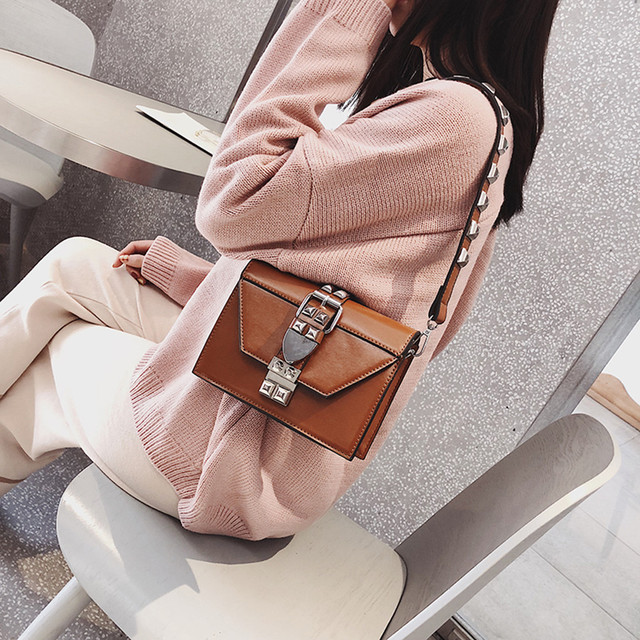 2019 New Arrival Women Messenger Bag Fashion One-Shoulder Small Square Bag Wild Ladies Hasp Flap Female Solid Leather Handbags