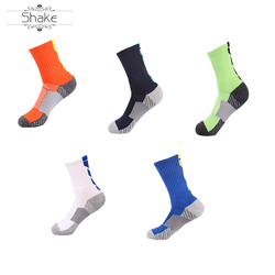 Custom wholesale men's   crew grip sports rubber anti slip knee high basketball socks compression  sport socks