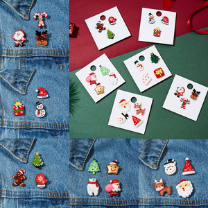 Trendy Christmas Brooch Set with Paper Card Santa Claus Crutches Elk Acrylic Snowman Hat Christmas Brooch Badges Pins for Women