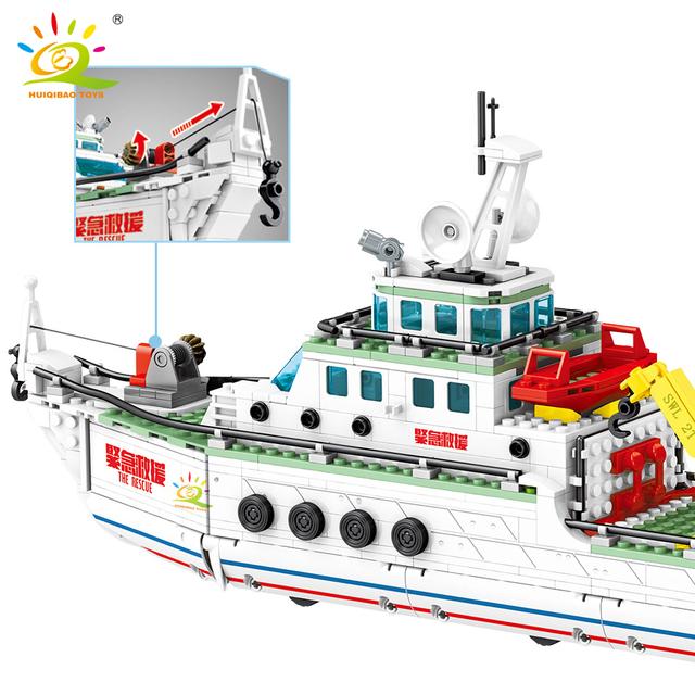HUIQIBAO 893pcs Police Rescue Steamship Building Blocks City Boat Ship Model Bricks Educational toys for Children