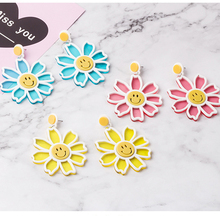 2020 new Korean lovely acrylic smiley face flower earrings color personality sunflower Daisy studs female