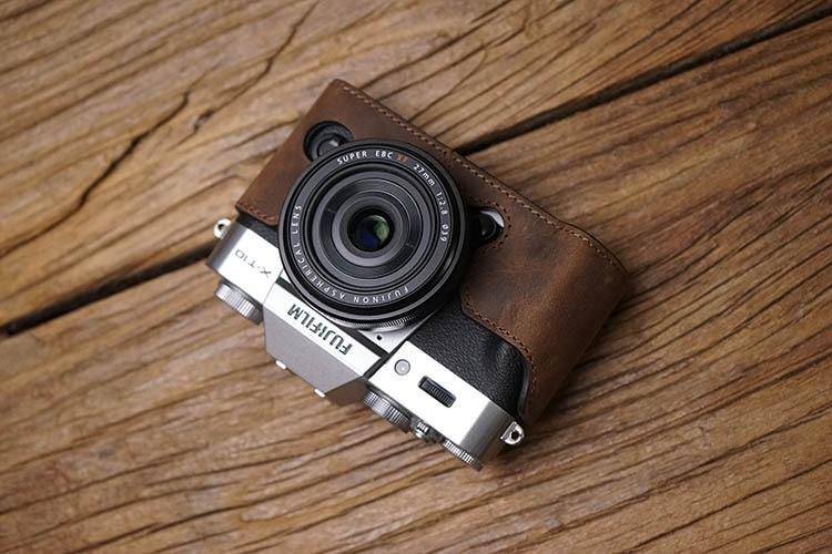 Image 2 - AYdgcam Genuine Leather Camera case Handmade Video Half Bag For Fuji Fujifilm XT10 XT20 XT30 Retro Vintage Bottom Case-in Camera/Video Bags from Consumer Electronics