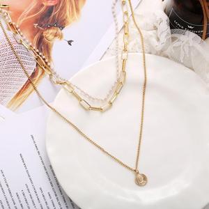 Kissme Einzigartige Münze Königin Porträt Anhänger Layered Halskette Frauen Gold Farbe Legierung Acryl Perle Strang Halskette Mode Schmuck