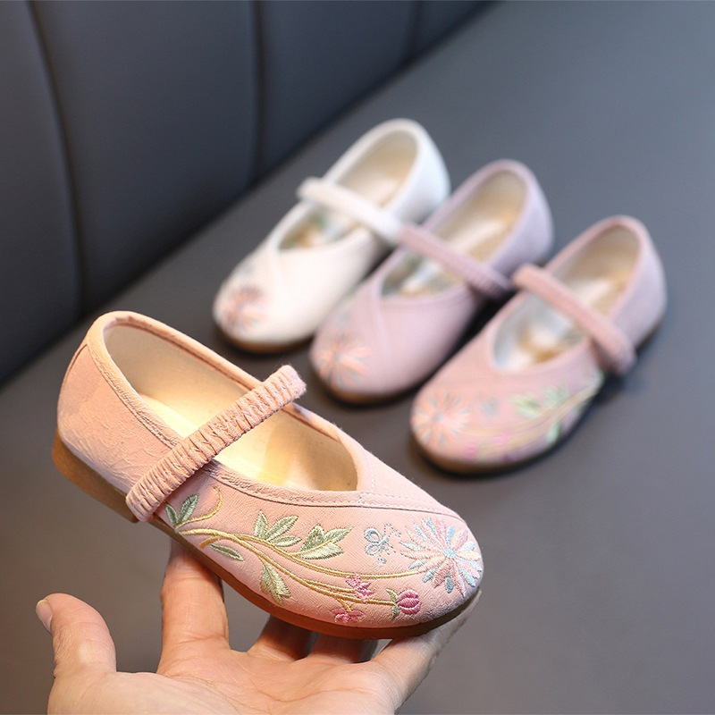 Girls Embroidered Shoes Children Cloth Shoes Chinese National Style Flower Shoes Soft Sneakers Kids Baby Fashion Canvas Shoes