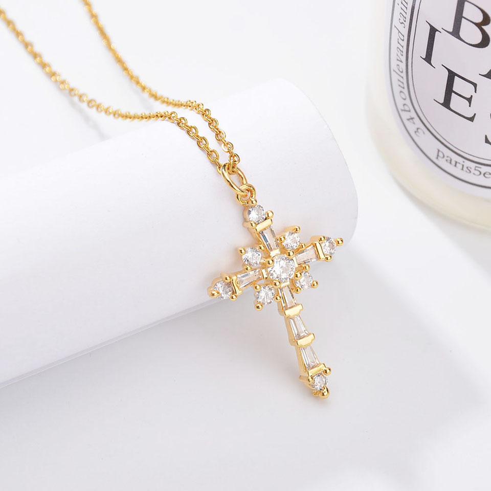 New Gold Copper CZ Zircon Christian Crosses Pendant Necklace For Women Beautiful Fashion Chains Crucifix Dangle Choker Necklaces