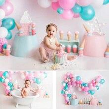 Sorvete doce crianças aniversário retrato background photo studio balões coloridos bebê recém nascido bolo de aniversário esmagar fundo