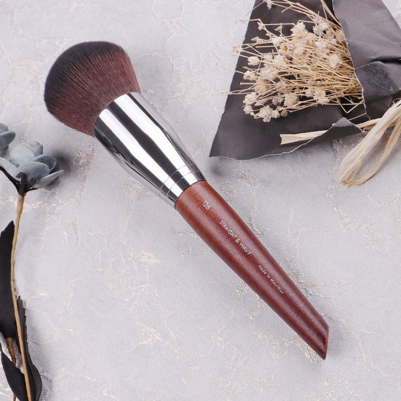 Blogger Recommends Powder Brush High-end Log Color Round Head Powder Brush Multi-functional Makeup Brush Makeup Tool F 126