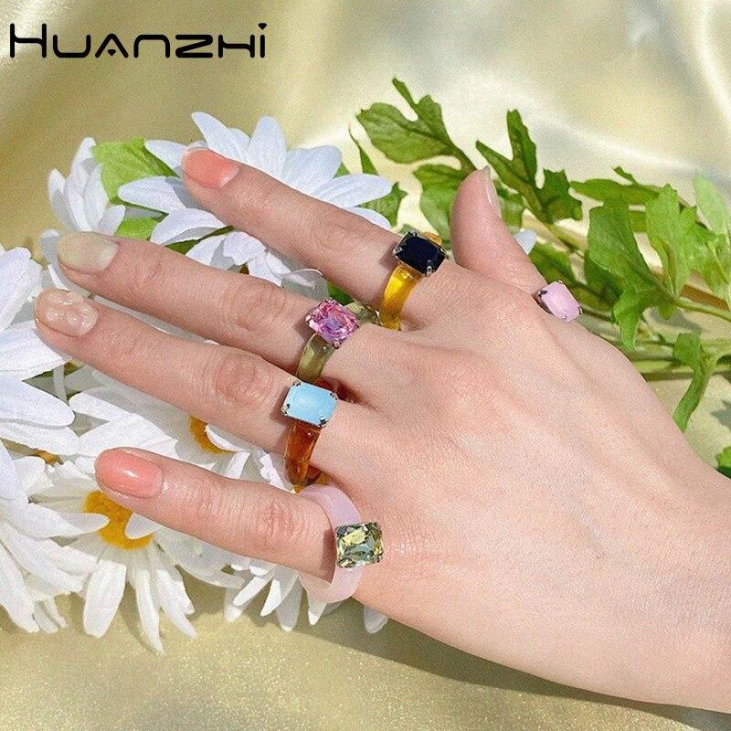 HUANZHI 2020 новые индивидуальные красочные прозрачные геометрические прямоугольные Стразы акриловые кольца для женщин украшения для отдыха