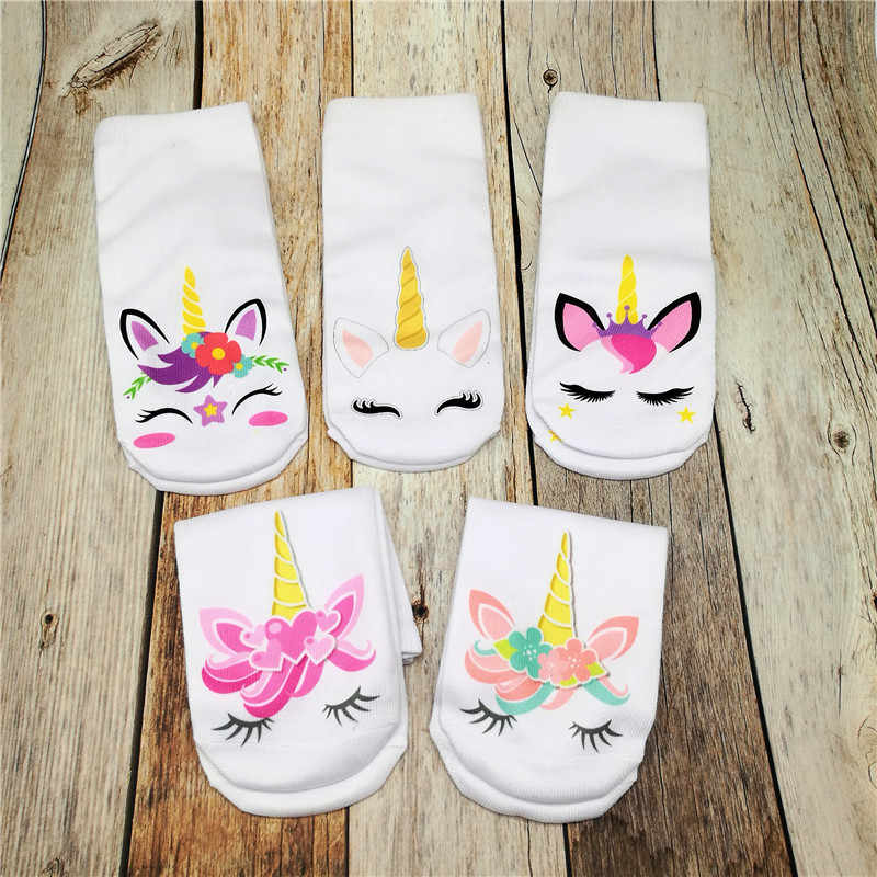 Calcetines estampados cortos en 3D para mujer, calcetines divertidos creativos con diseño de unicornio, bonitos dibujos animados, calcetines suaves transpirables deportivos Unisex de algodón con Tobillo de corte bajo
