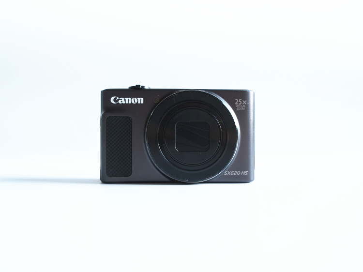 USED Canon PowerShot SX620 HS F3.2–6.6 digital camera 25x optical zoom cmos with WIFI/NFC 1080p Full HD video