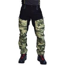Mężczyźni Camo spodnie wojskowe kilka kieszeni spodnie Cargo joggersy Hip hopowe miejskie kombinezony znosić kamuflaż spodnie taktyczne X231G tanie tanio Zipper fly COTTON Pełnej długości Camping i piesze wycieczki Pasuje prawda na wymiar weź swój normalny rozmiar Military Tactical Pants