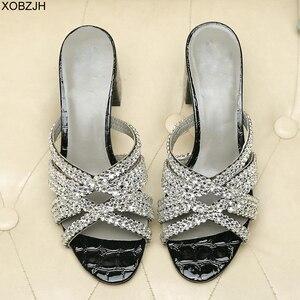 Image 1 - Sandales dété de luxe G pour femmes, chaussures dété à semelles en cuir véritable noire, sandales à strass, chaussures de styliste 2019