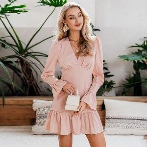 Image 2 - Женское модное белое короткое платье Conmoto с V образным вырезом, Осень зима 2019, Шикарное облегающее мини платье с расклешенным длинным рукавом для вечерние, платья