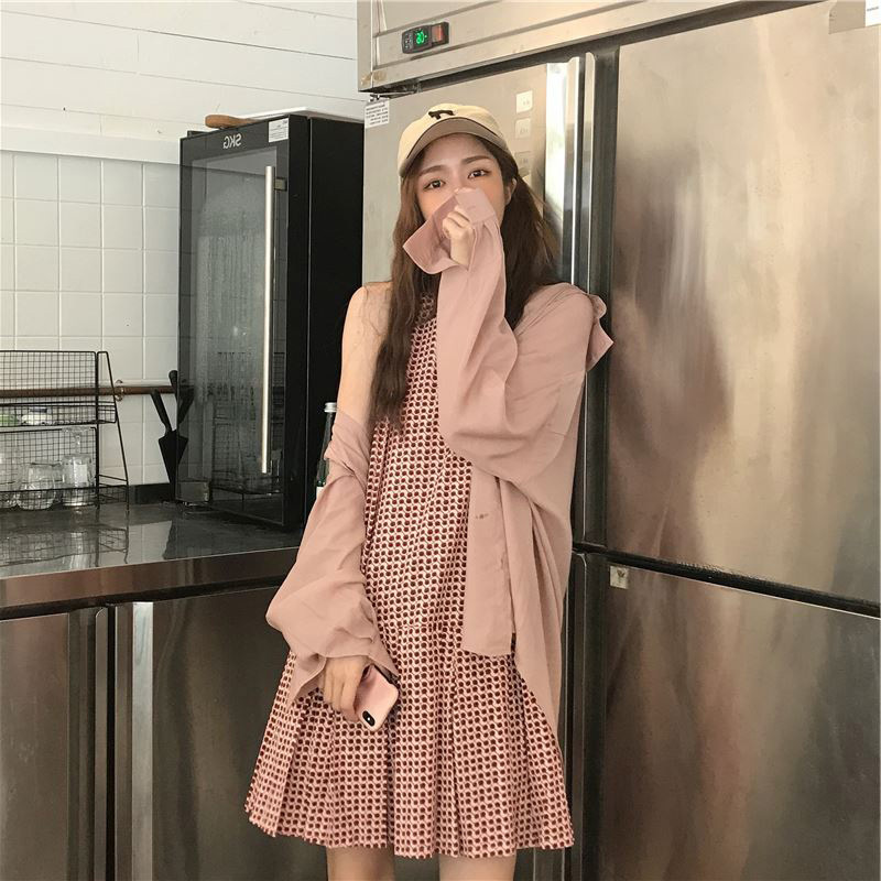 High Cold Royal Sister Small Camisole + Outdoor Cardigan Women's Thin Shirt Women's Sense Of Design Non-mainstream Dress Two-Pie