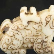 Estatua tallada a mano de jade natural de China Antigua, colgante de dragón