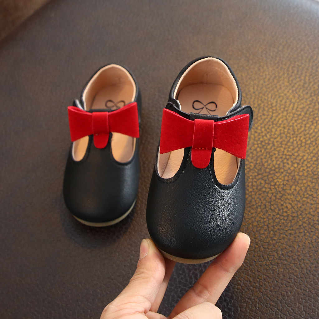 Bambino Infantile Del Bambino Del Bambino di Cuoio Delle Ragazze di Bowknot Partito Principessa Scarpe Sandali Della Principessa Scarpe di Cuoio Singoli Pattini Coreani per Le Ragazze Del Bambino