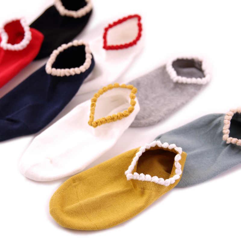 봄과 여름 새로운 패션 여성의 보트 양말 다채로운 프릴 테두리 솔리드 양말 Colleage 스타일 발목 양말